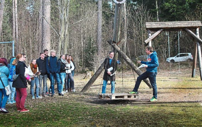Spielplatzsanierung_Besucht Studenten_2017-03-15