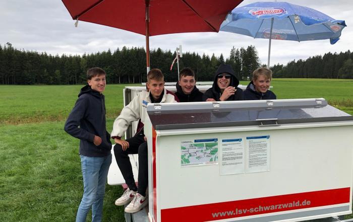 Flugplatz Schüler Gang_2019-09-07_Harry Hezel